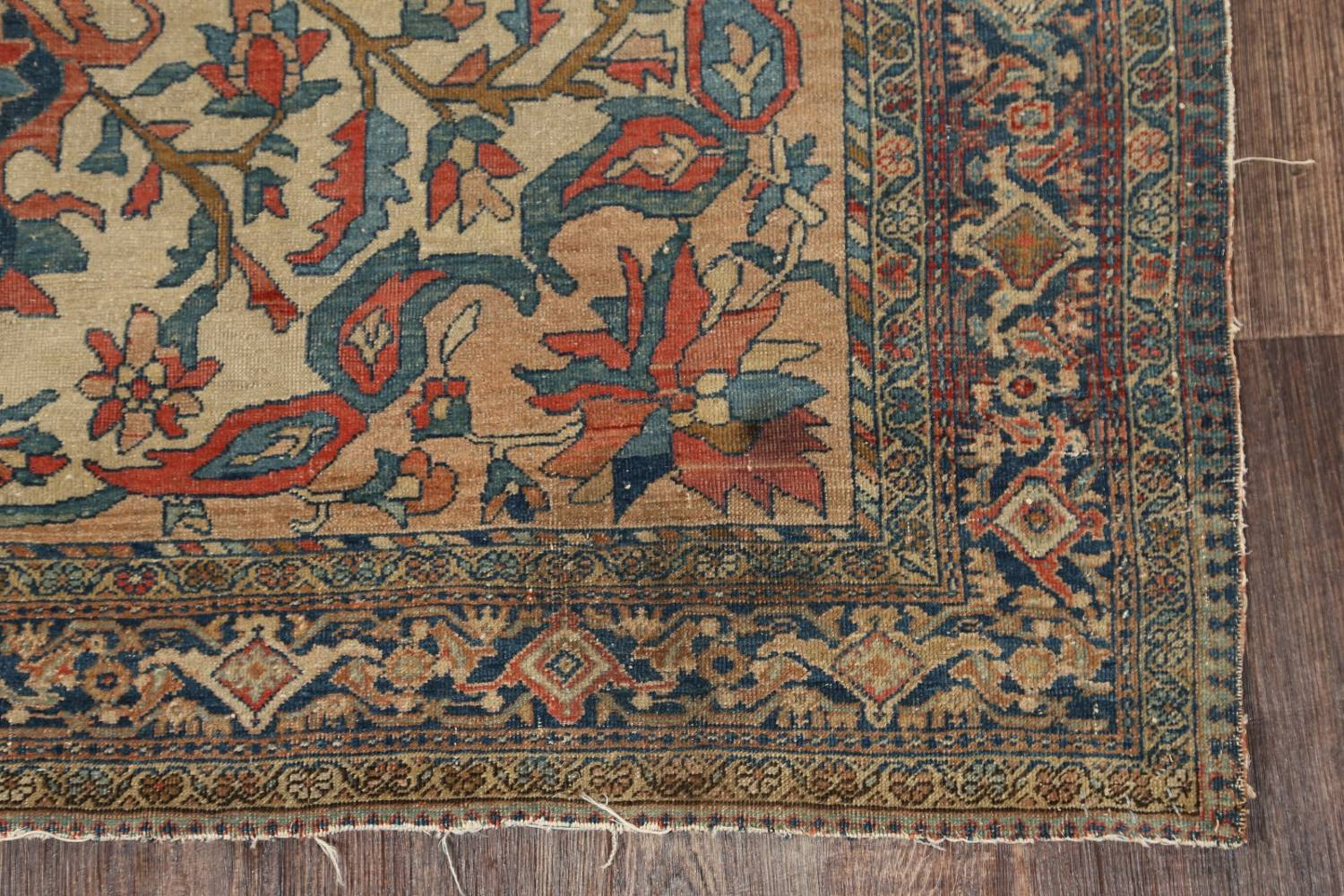 Pre-1900 Antique Floral Sarouk Farahan Persian Hand-Knotted 4'x7' Wool Area Rug image 6