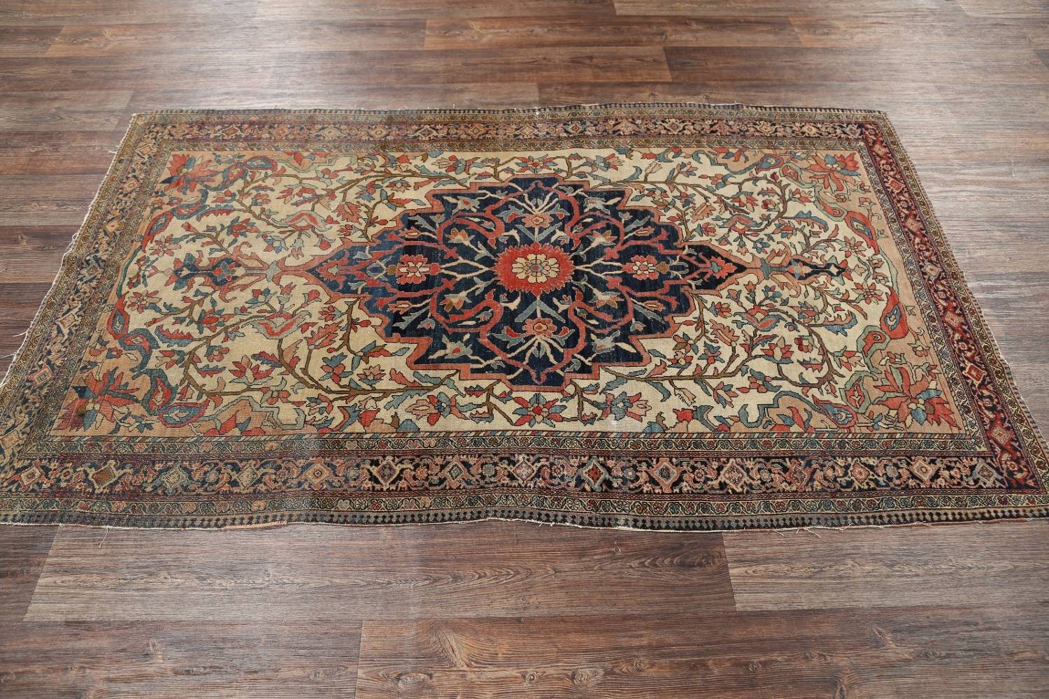 Pre-1900 Antique Floral Sarouk Farahan Persian Hand-Knotted 4'x7' Wool Area Rug image 12