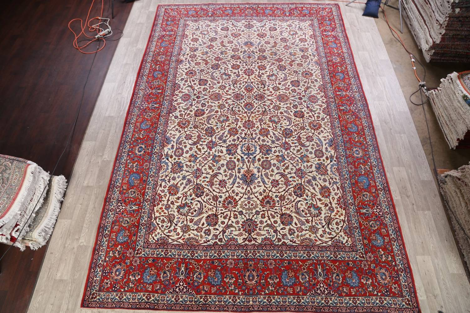 Antique Floral 10x16 Isfahan Persian Area Rug image 2