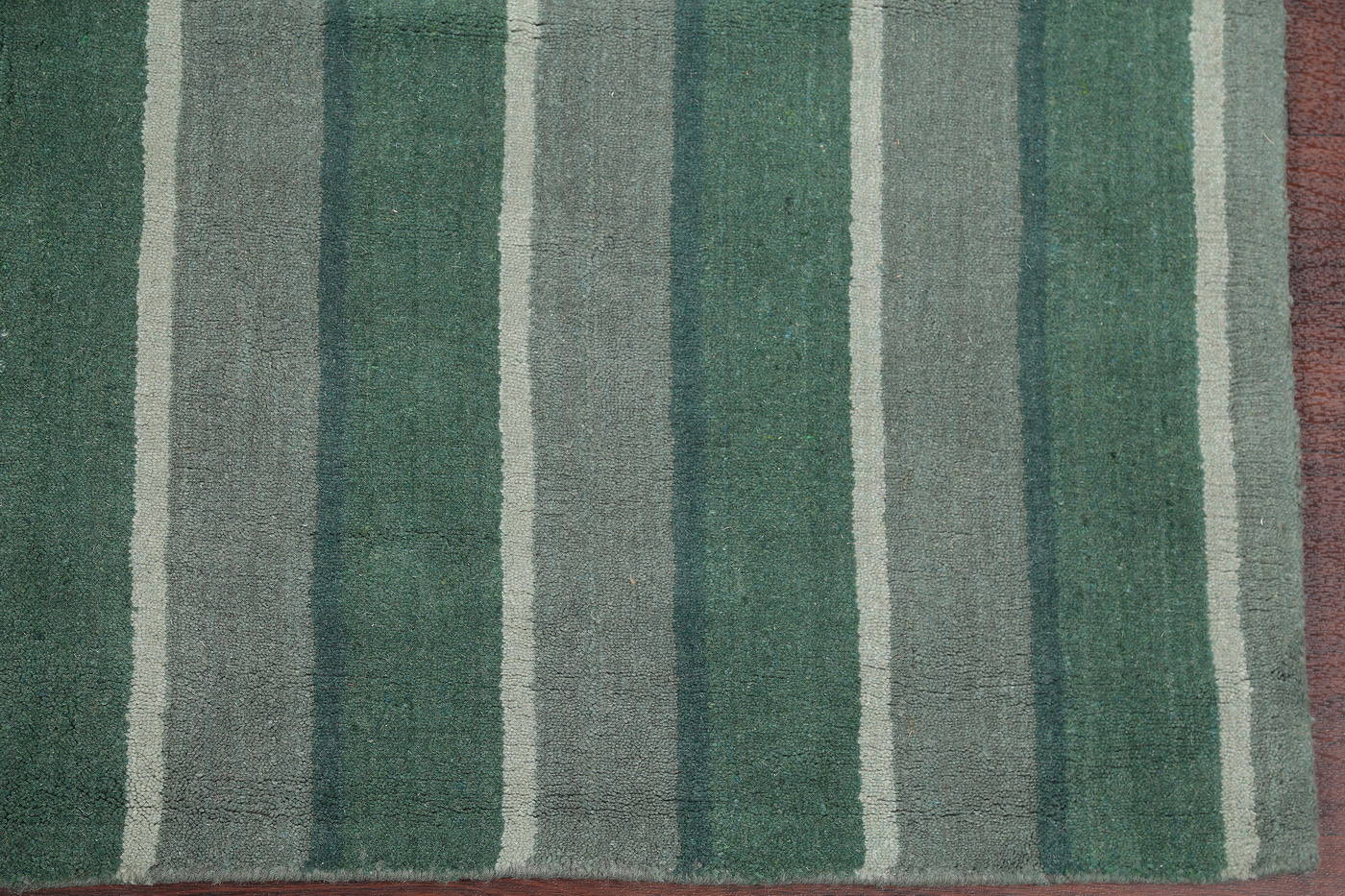 Contemporary Tufted Indian Oriental Area Rug 6x8