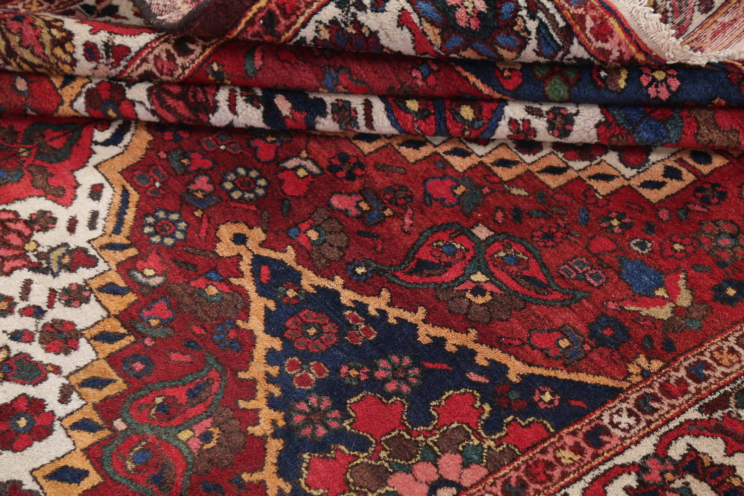 Antique Floral Red Bakhtiari Persian Hand-Knotted Area Rug Wool 7x10