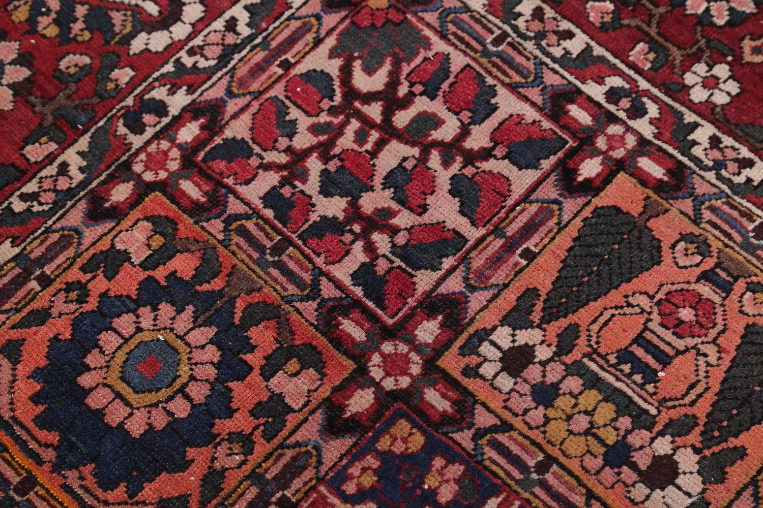 Floral Red Bakhtiari Persian Hand-Knotted Area Rug Wool 7x10