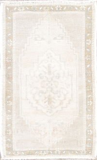Geometric Oushak Turkish Hand-Knotted 2x3 Beige Ivory Wool Rug