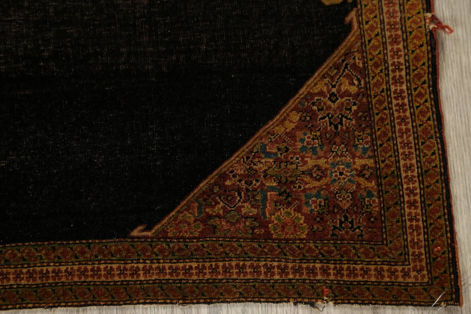 Pre-1900 Vegetable Dye Sarouk Farahan Persian Hand-Knotted 3x3 Square Rug image 6