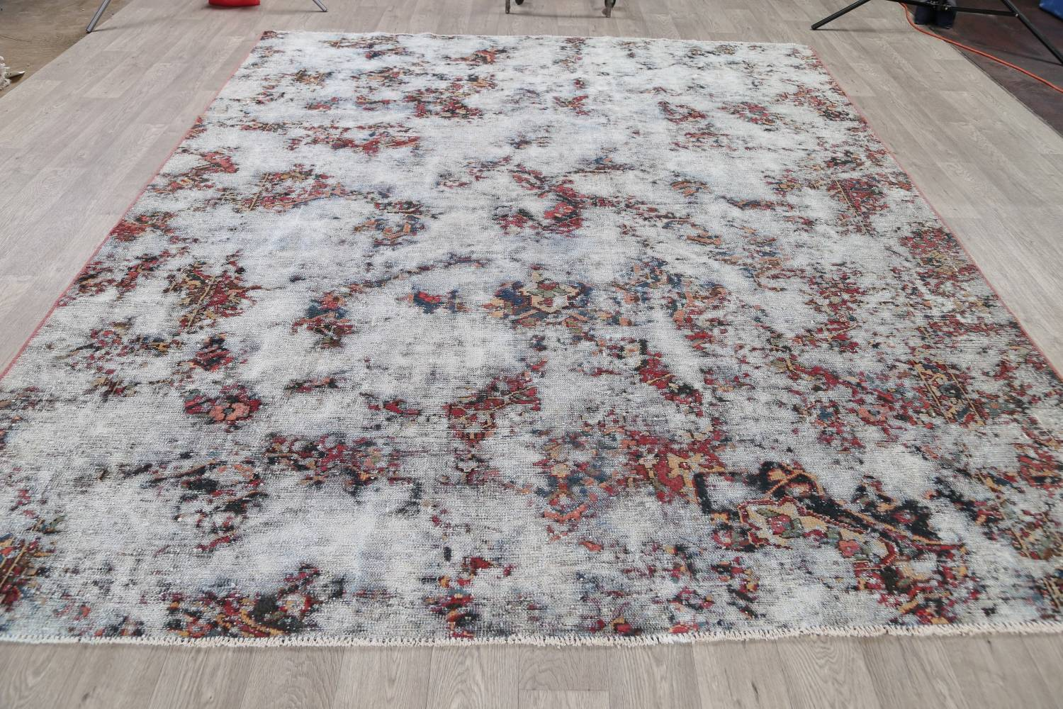 Muted Bakhtiari Persian Hand-Knotted 8x10 Wool Distressed Area Rug image 14