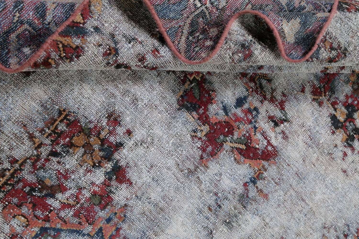 Muted Bakhtiari Persian Hand-Knotted 8x10 Wool Distressed Area Rug image 16