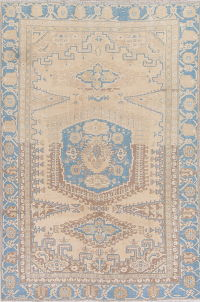 Muted Viss Persian Hand-Knotted 6x8 Wool Distressed Area Rug