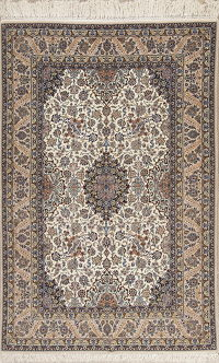 Ivory Floral Isfahan Persian Wool Silk Rug 5x8