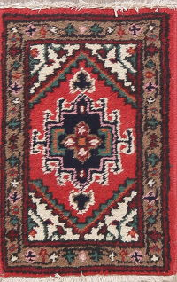 Geometric Red Heriz Persian Wool Rug 1x2
