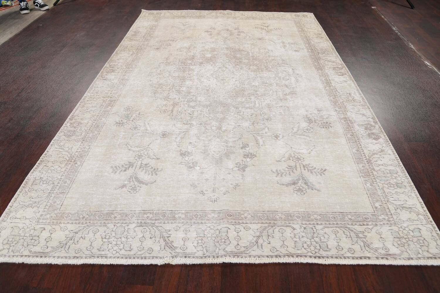 Muted Distressed Floral Tabriz Persian Area Rug 6x9 image 15