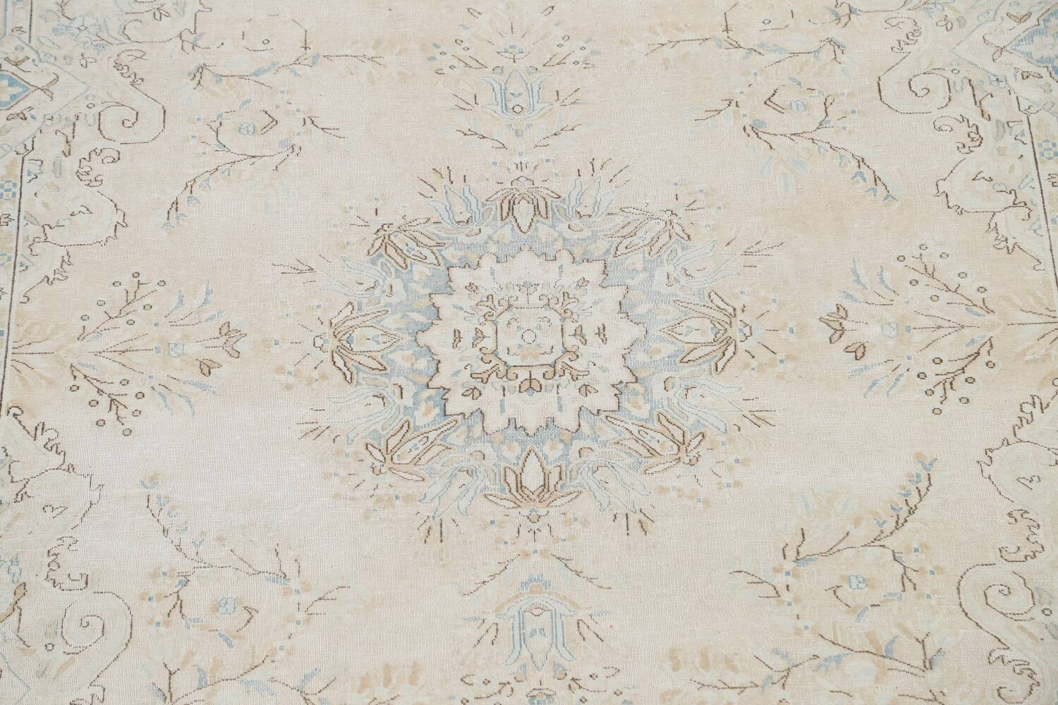 Muted Floral Kerman Persian Area Rug 7x10 image 4