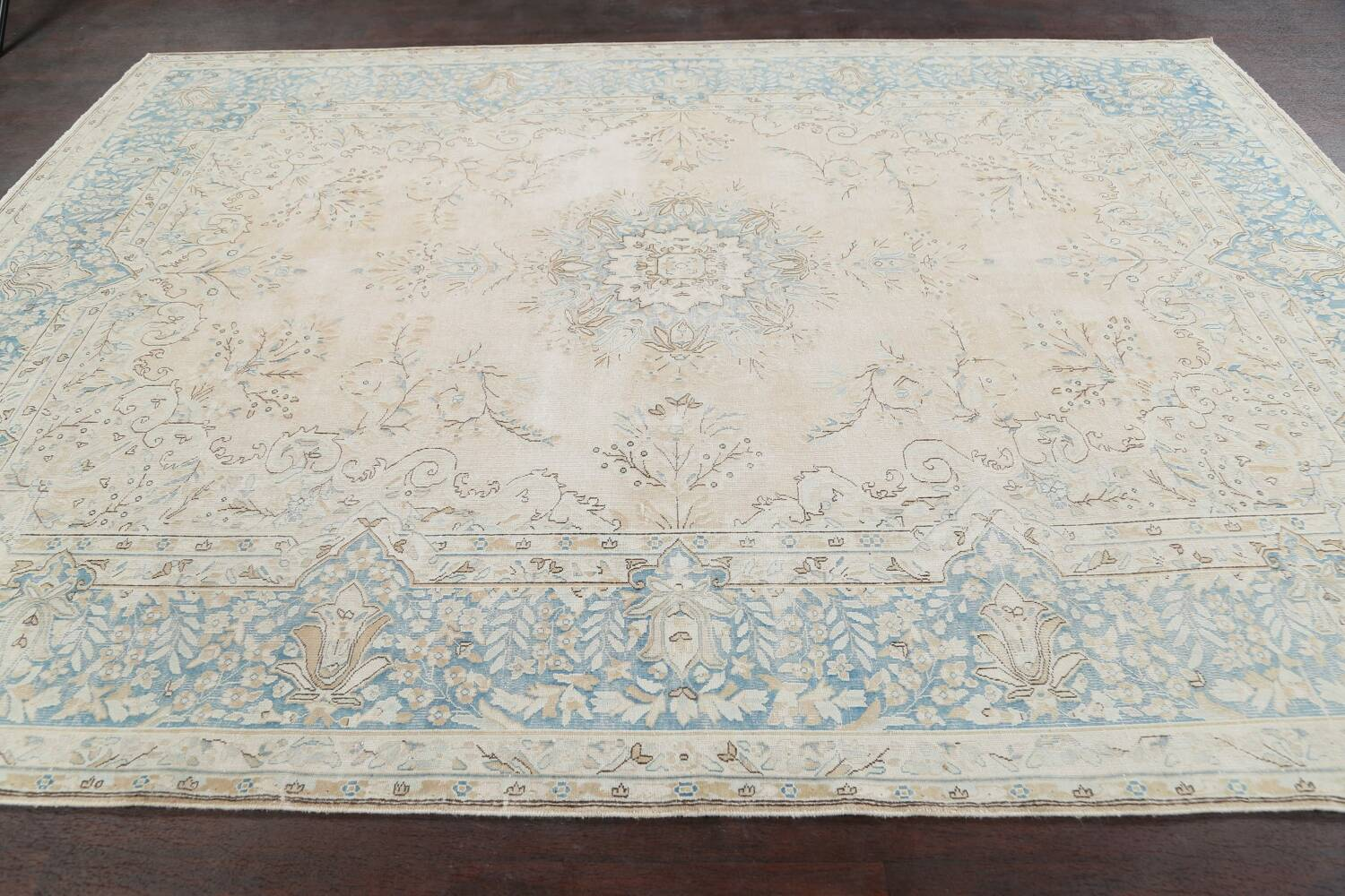 Muted Floral Kerman Persian Area Rug 7x10 image 14