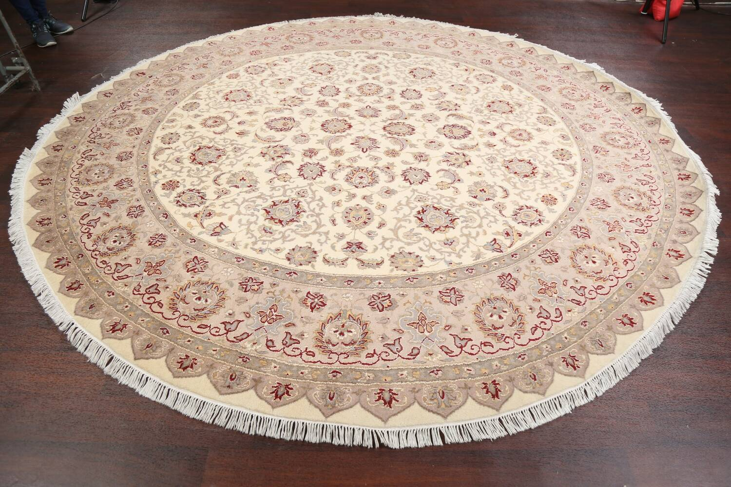 Vegetable Dye Royal-Tabriz Oriental Area Rug 9x9 Round image 12