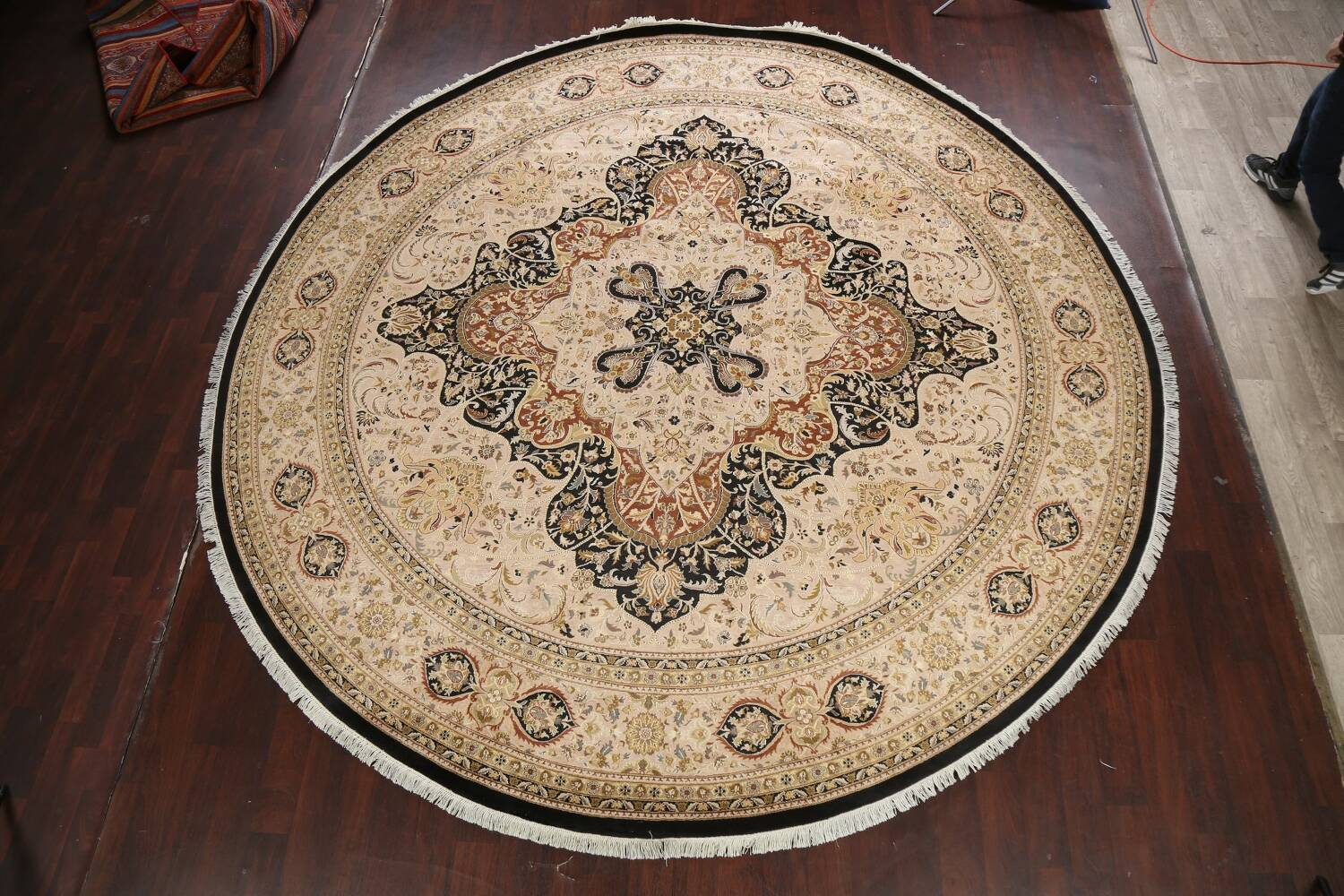 Vegetable Dye Royal-Tabriz Oriental Area Rug 12x12 Round image 2
