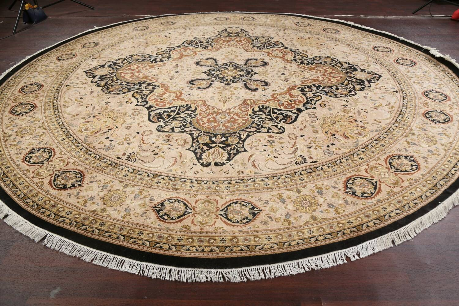 Vegetable Dye Royal-Tabriz Oriental Area Rug 12x12 Round image 12