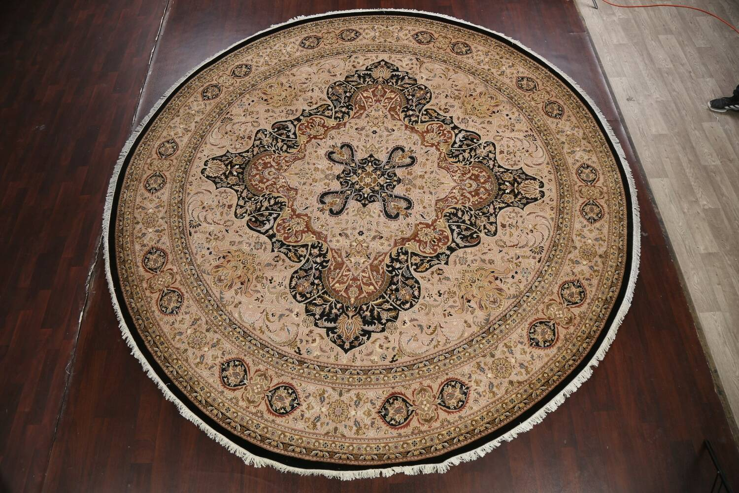 Vegetable Dye Royal-Tabriz Oriental Area Rug 12x12 Round image 13