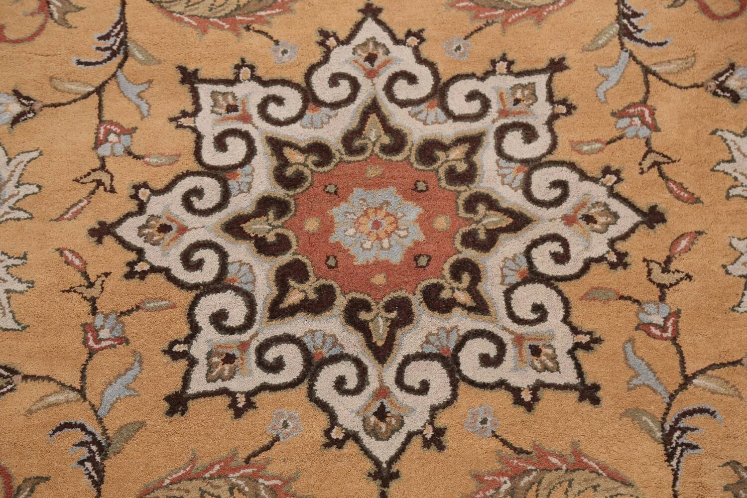 Floral Round Rug 10x10 image 4