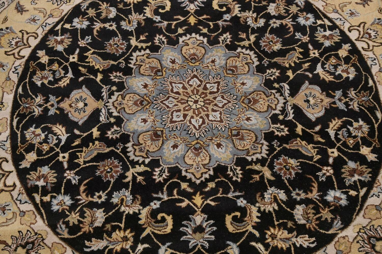 Floral Round Rug 10x10 image 3