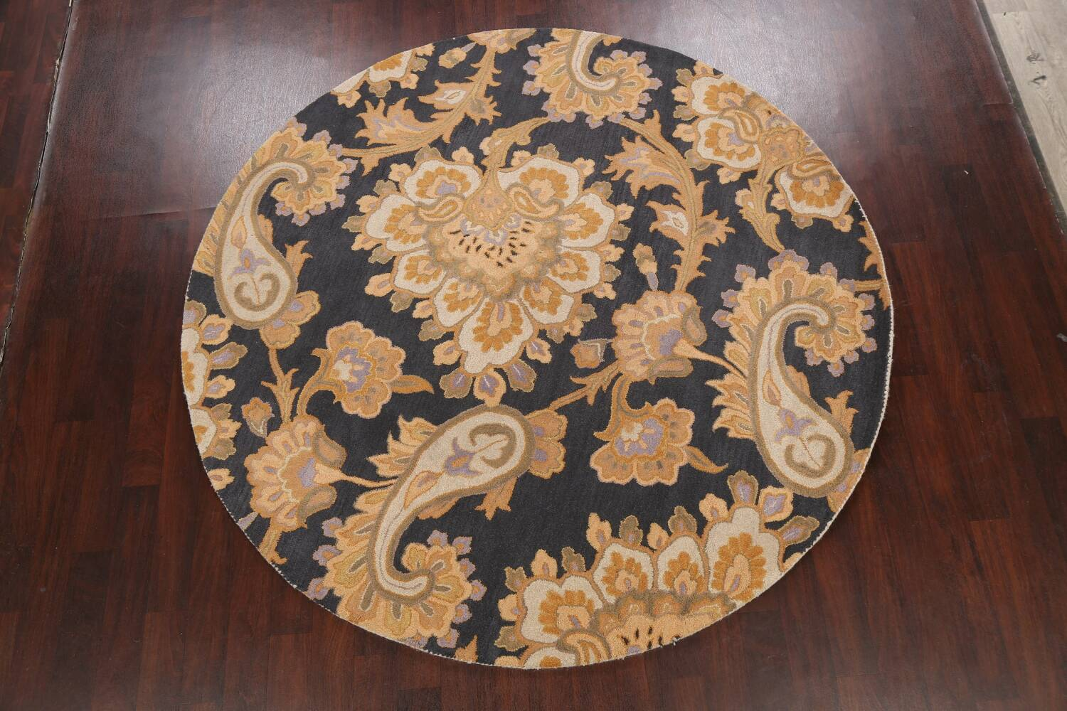 Floral Round Rug 8x8 image 10