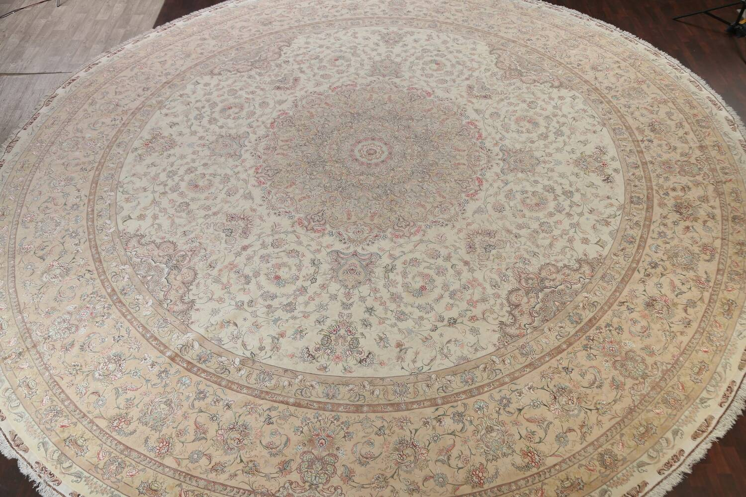 100% Vegetable Dye Floral Tabriz Persian Area Rug 22x23 Round image 3
