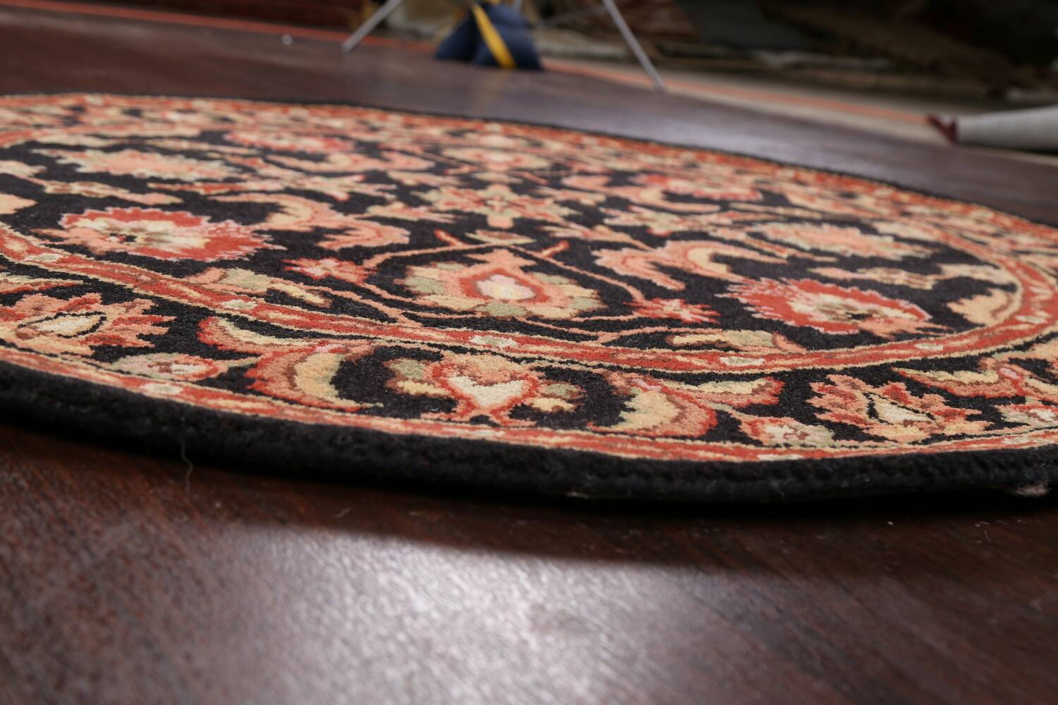Floral Round Rug 5x5 image 7