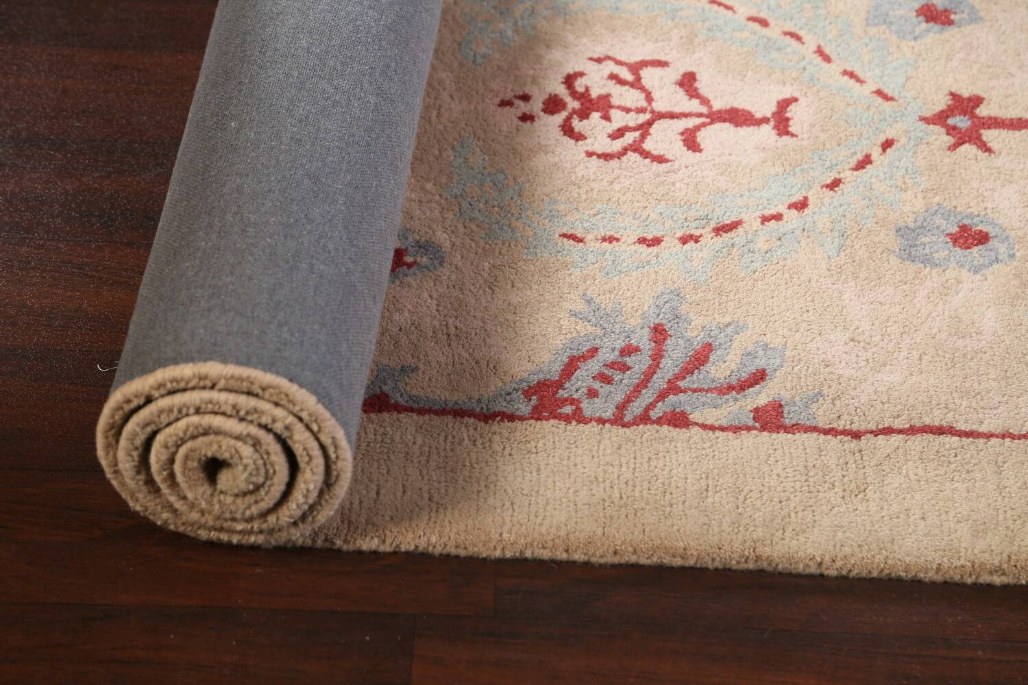 Pale Coral Hand-Tufted Floral Area Rug 6x8 image 13