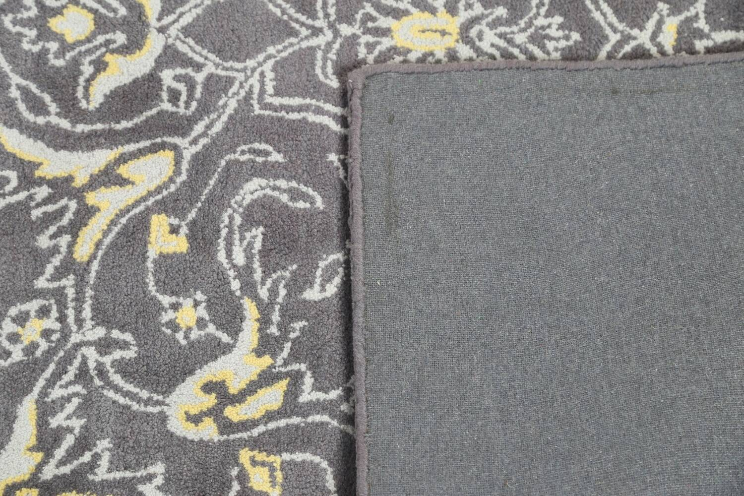 Hand-Tufted Floral Area Rug 5x8 image 7