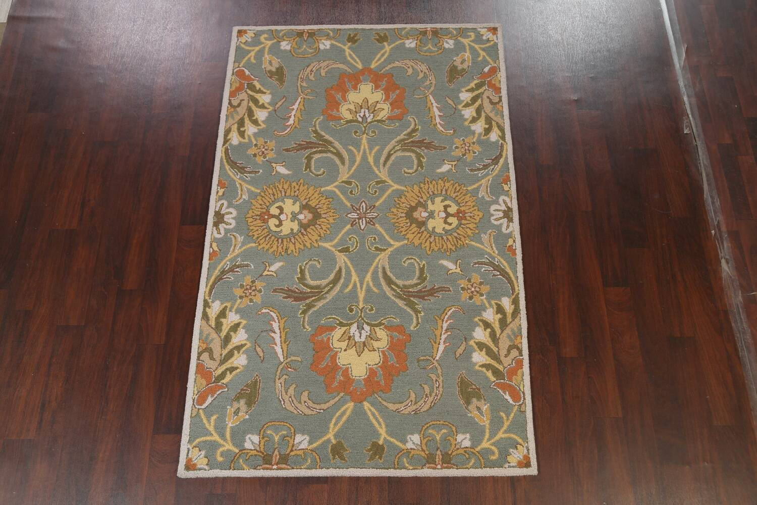 Hand-Tufted Floral Agra Area Rug 5x8 image 2