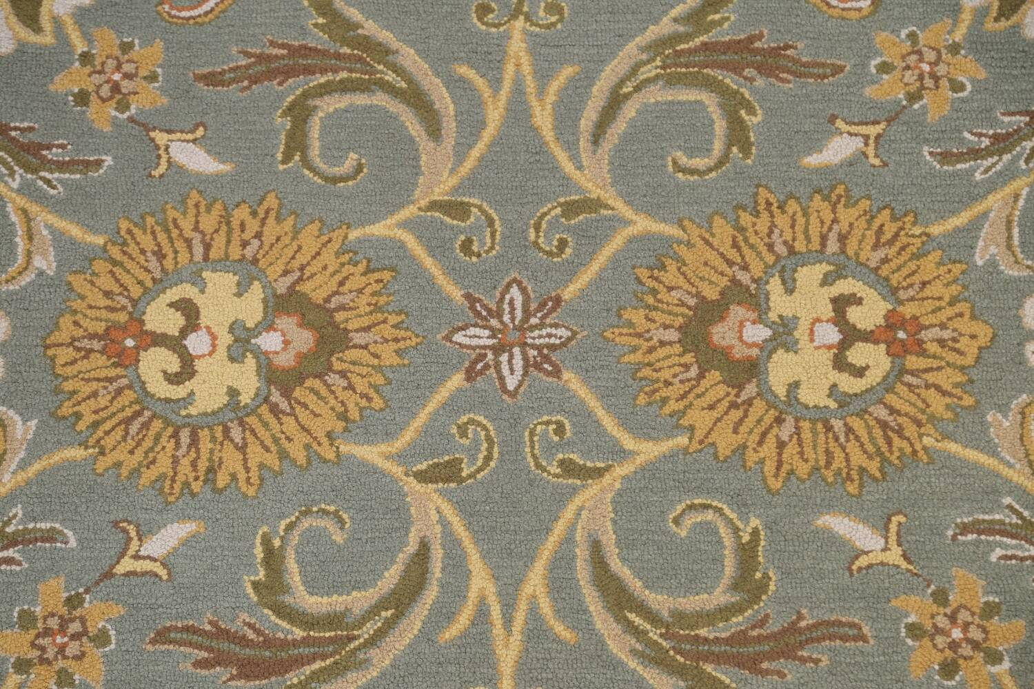 Hand-Tufted Floral Agra Area Rug 5x8 image 4