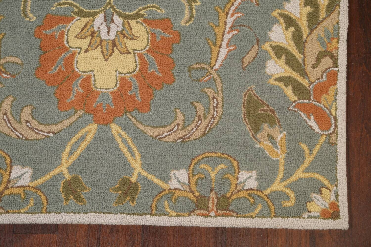 Hand-Tufted Floral Agra Area Rug 5x8 image 6