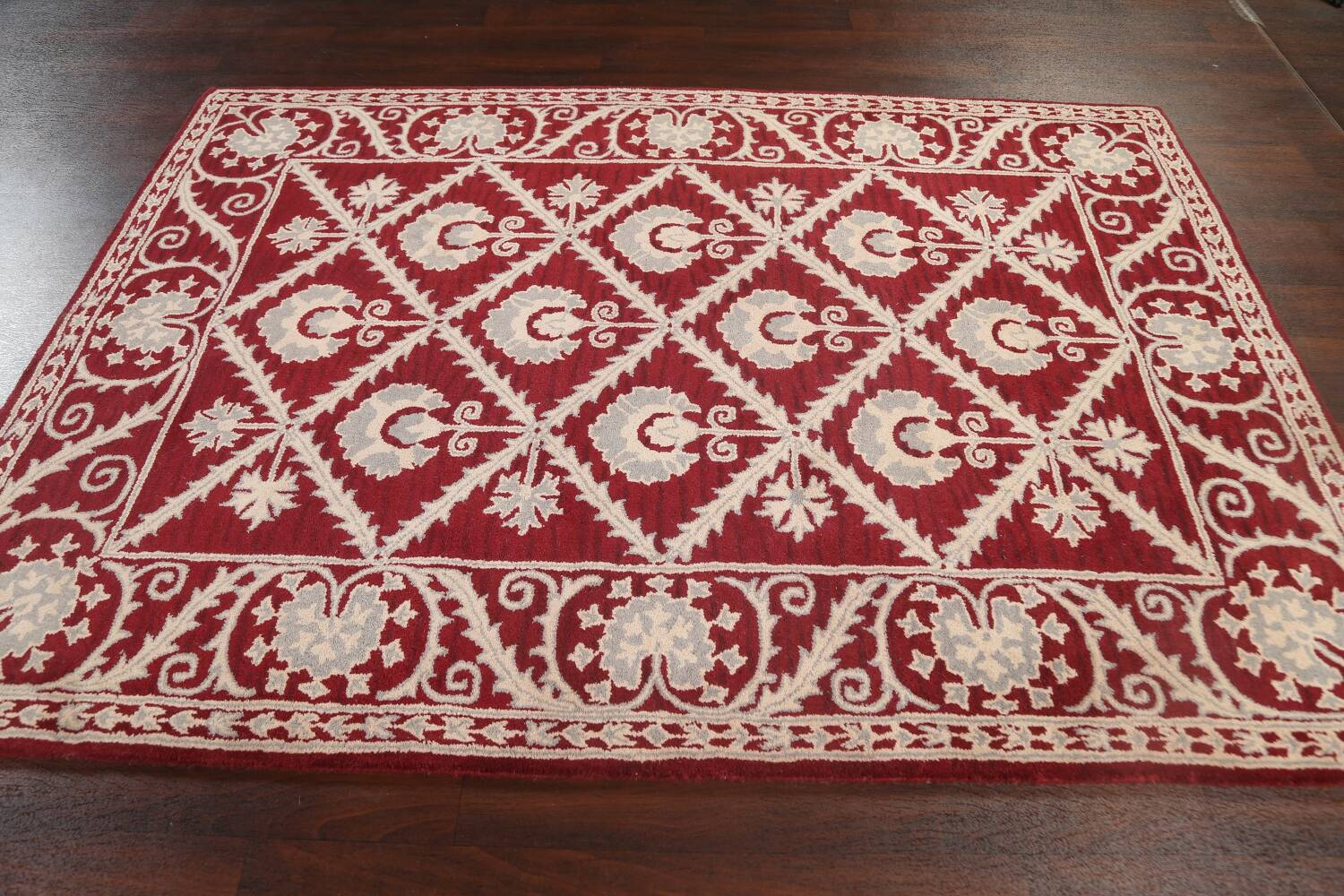 Hand-Tufted Floral Area Rug 6x8 image 12