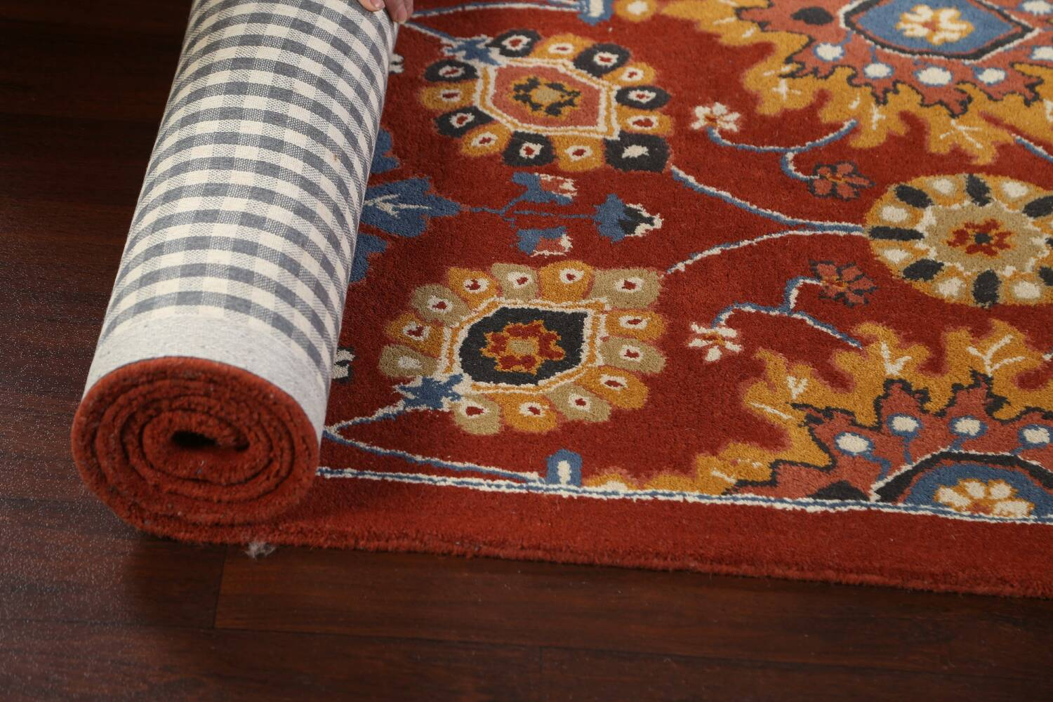 Hand-Tufted Floral Area Rug 5x8 image 13