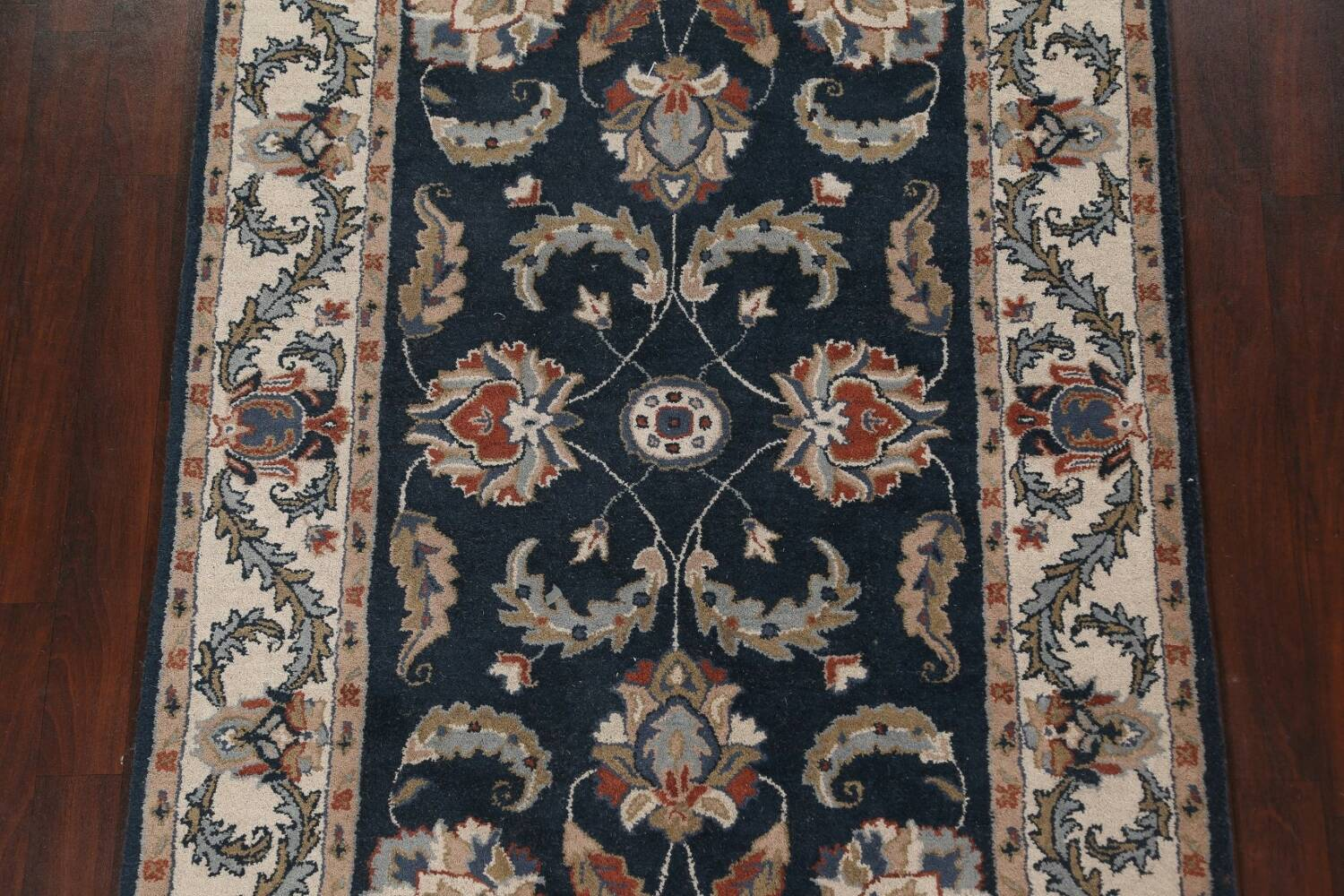 Floral Agra Wool Area Rug 5x8 image 4