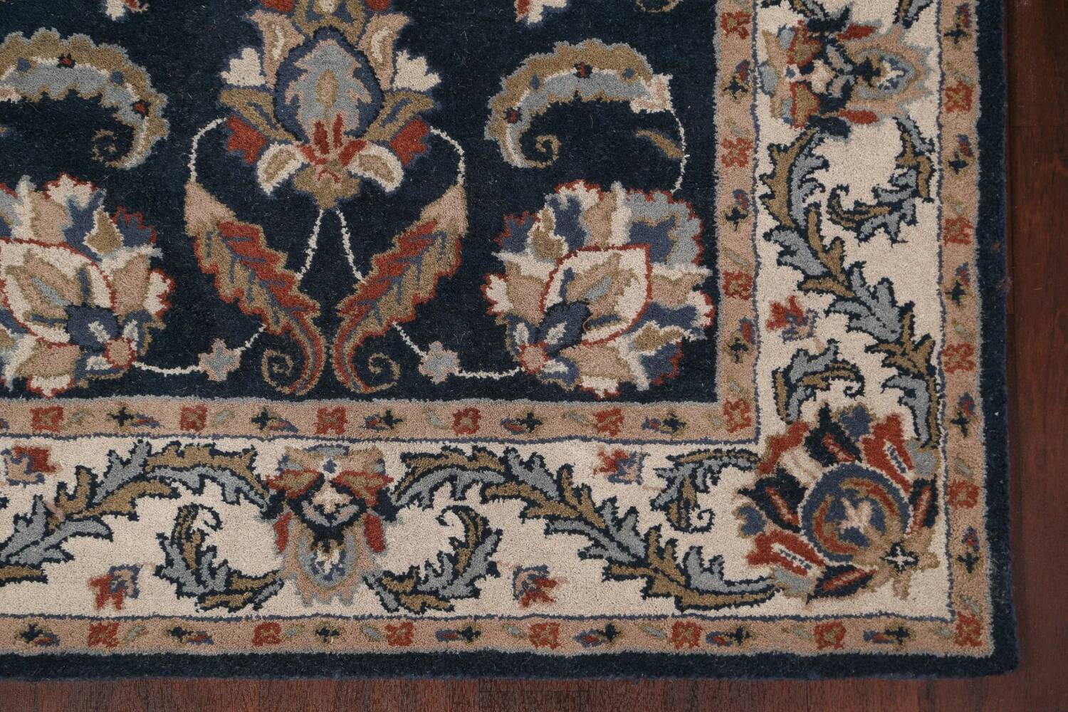 Floral Agra Wool Area Rug 5x8 image 7