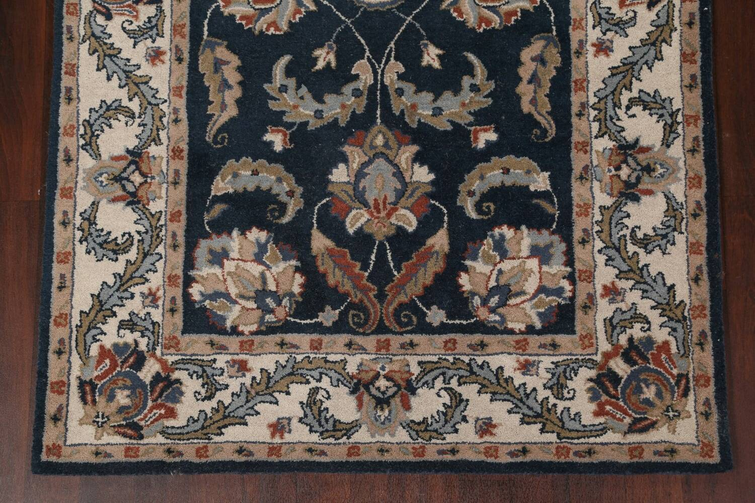 Floral Agra Wool Area Rug 5x8 image 6