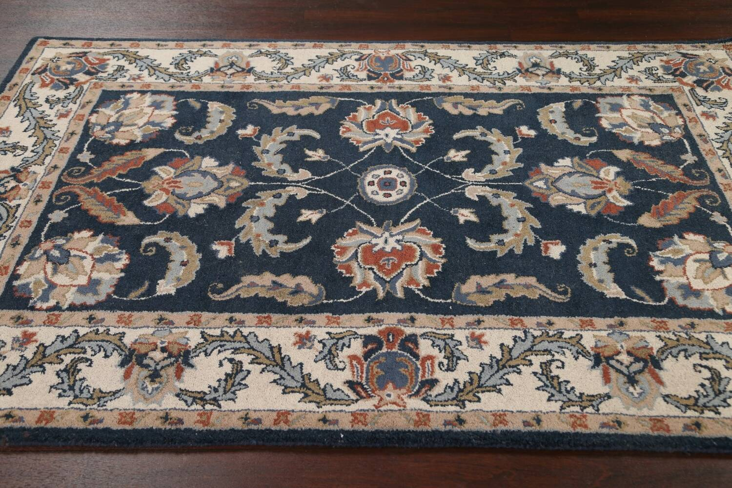 Floral Agra Wool Area Rug 5x8 image 10